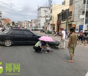 事发三亚!小车市场门口突然掉头与直行摩托车相撞,致摩的司机昏迷